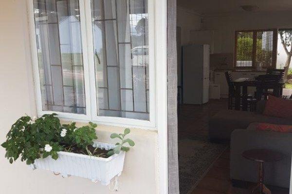 Lanas Cottage 3
