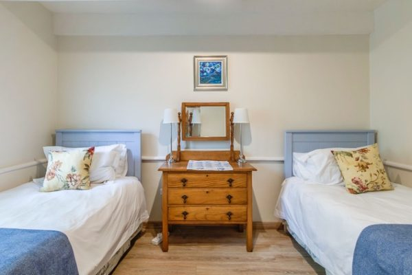 MM Bedroom 3 Twin Beds